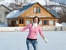 Free Woman With Ice Skates Royalty Free Stock Images - 8461119