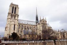 Free Notre Dame De Paris Royalty Free Stock Images - 8461409