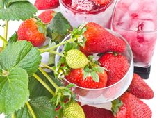 Free Ripe Strawberry  And  Frozen Fruits Stock Image - 8462001