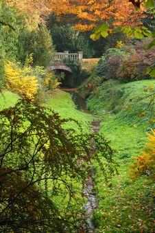 Free Autumn Park Royalty Free Stock Photography - 8465287