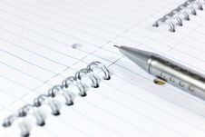 Free Mechanical Pencil On A Notepad Royalty Free Stock Photo - 8467685