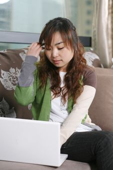 Free Young Girl With Laptop Royalty Free Stock Photography - 8472647