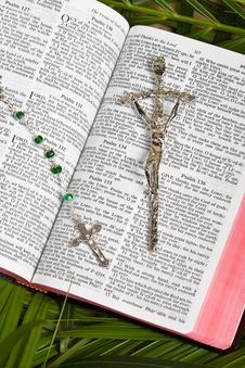 Free Christian - Bible And Crucifix Stock Photos - 8473343