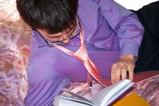 Free The Young Man Reads The Book. Royalty Free Stock Image - 8474966