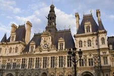 Free Hotel De Ville Royalty Free Stock Images - 8484239