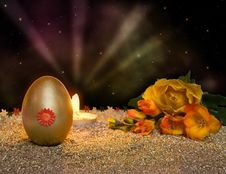 Free Easter Resurrection Candle With Golden Egg Stock Photos - 8485763