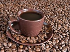Free Coffee Cup And Beans Royalty Free Stock Image - 8487196