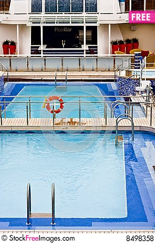Free Blue Pool On Ship Royalty Free Stock Photos - 8498358