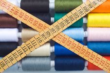 Free Sewing Spools And Meter Royalty Free Stock Photography - 8490637