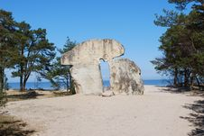 Free Monument By The Sea Royalty Free Stock Photography - 8492397