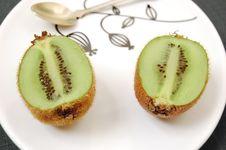 Free Two Half Kiwifruit Stock Images - 8498254