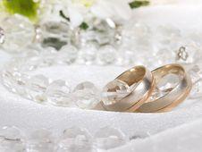 Free Wedding Rings Royalty Free Stock Photo - 8498715