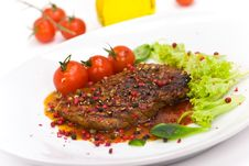 Free A Grilled Peppercorn - Steak With Tomato Lettuce Stock Photos - 8499643