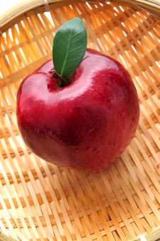 Free Red Apple Royalty Free Stock Photography - 8499677