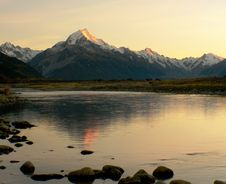Free Sunrise Mount Cook NZ. Royalty Free Stock Photography - 84903127