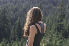 Free Female With Back Turned Overlooking Forest Stock Images - 84903574