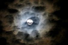 Free Full Moon In Cloudy Sky 3 Stock Photo - 84903740