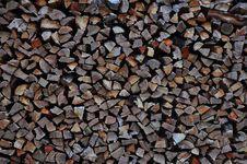 Free Huge Pile Of Cut Logs Stock Photography - 84904312