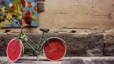 Free Green And Red Bicycle Park Near Fruit Painting Stock Photo - 84908140