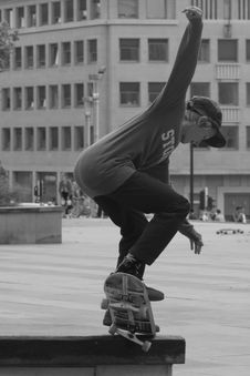 Free Boy Skateboarding Grayscale Photography Stock Photos - 84909223