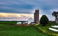 Free Scenic View Of Landscape Against Cloudy Sky Stock Photography - 84910422