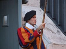 Free Italy Vatican Swiss Guard - Creative Commons By Gnuckx Royalty Free Stock Photo - 84911305