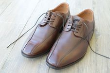 Free Brown Mens Shoes Royalty Free Stock Photography - 84912047