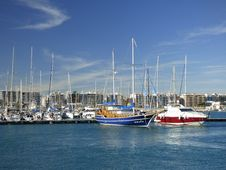 Free Boats In Harbor Stock Photos - 84914193