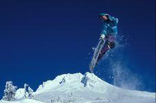 Free Man Snowboarding During Daytime Royalty Free Stock Images - 84915779