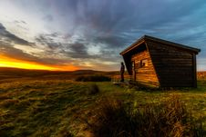 Free Log Cabin On The Moors Royalty Free Stock Photo - 84917055