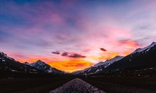 Free Scenic View Of Dramatic Sky During Sunset Royalty Free Stock Photo - 84917355