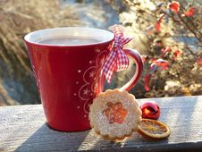 Free Cup Of Coffee With Christmas Biscuits Stock Images - 84917694