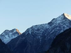 Free Snow Capped Mountain Range Stock Images - 84917814