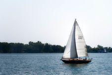 Free Sailing Royalty Free Stock Photo - 84926515