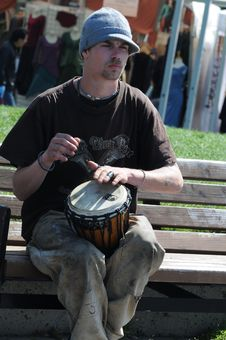 Free Street Performer With Drum Royalty Free Stock Photos - 84928888
