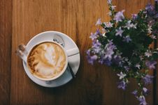 Free Cappuccino And Flowers Stock Photography - 84930292