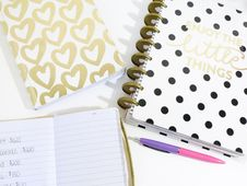 Free Journals On Table Royalty Free Stock Photos - 84931368