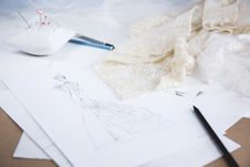 Free Wedding Dress Sketch Royalty Free Stock Photography - 84932127