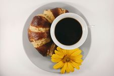 Free Coffee And Croissant Royalty Free Stock Image - 84933616