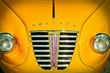 Free Yellow Goliath Car Stock Photography - 84933672
