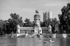 Free Parque Del Buen Retiro - Madrid Stock Images - 84933984