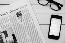 Free Newspaper And Mobile Phone Stock Photography - 84934042
