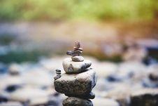 Free Gray Stone Rock Pile Near River Stock Photography - 84934362