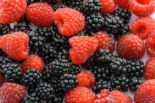 Free Raspberries And Blackberries Royalty Free Stock Images - 84935959