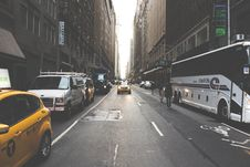 Free White Bus On The Street Surround By Building During Daytime Royalty Free Stock Photos - 84936088