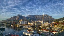 Free Cape Town Harbor And Table Mountain Royalty Free Stock Images - 84939069