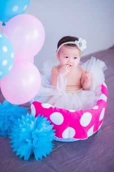 Free Baby In Tutu With Balloons Stock Images - 84940244