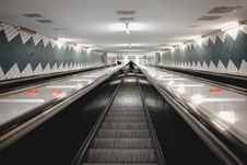 Free Subway Escalator Royalty Free Stock Photography - 84945037