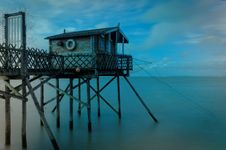 Free Hut On Pier Royalty Free Stock Images - 84949099