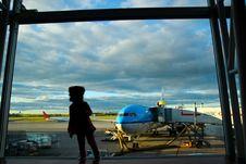 Free Kid Near Airport Window Royalty Free Stock Photography - 84949237
